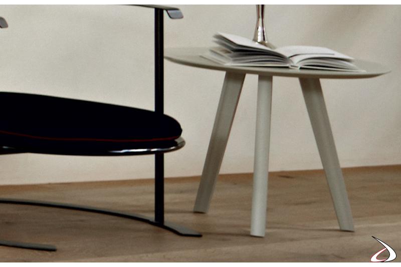 Tavolino moderno in legno