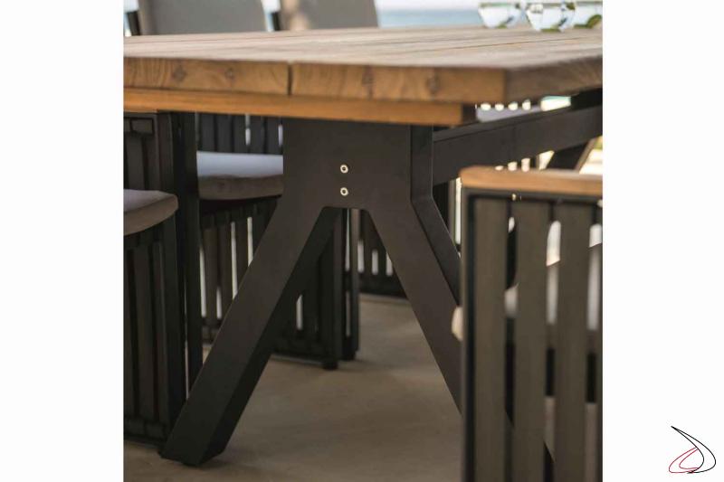 Tavolo Alska particolare della struttura smontabile in alluminio
