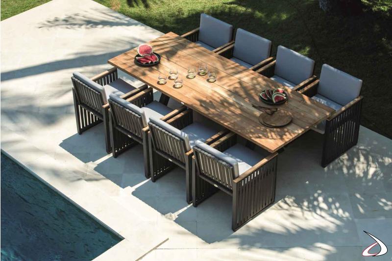 Tavolo da giardino Alaska con struttura in alluminio verniciato e piano in legno di Taek