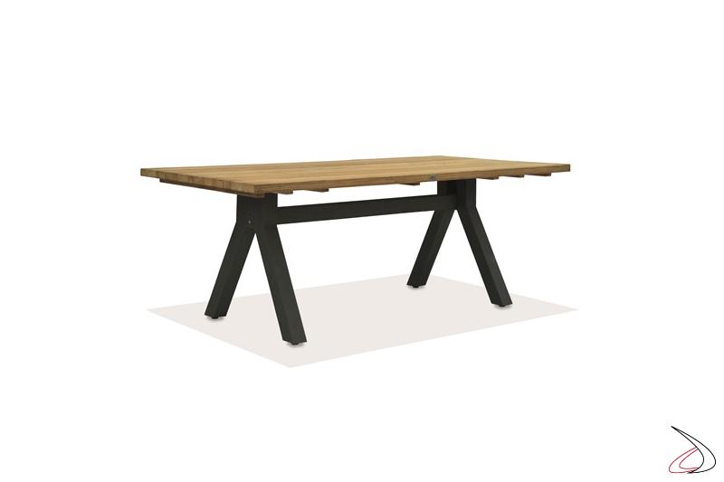 Tavolo Rettangolare Alaska Top in legno massello di Teak e gambe in alluminio verniciato.