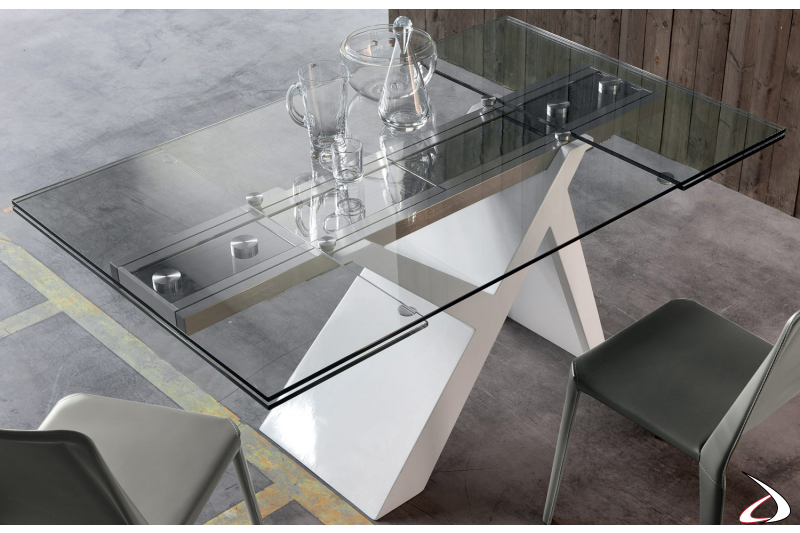 Table with white base and transparent glass top