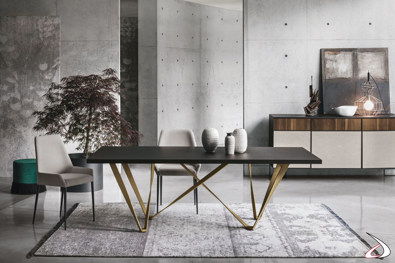 Tavolo con gambe in metallo Intres