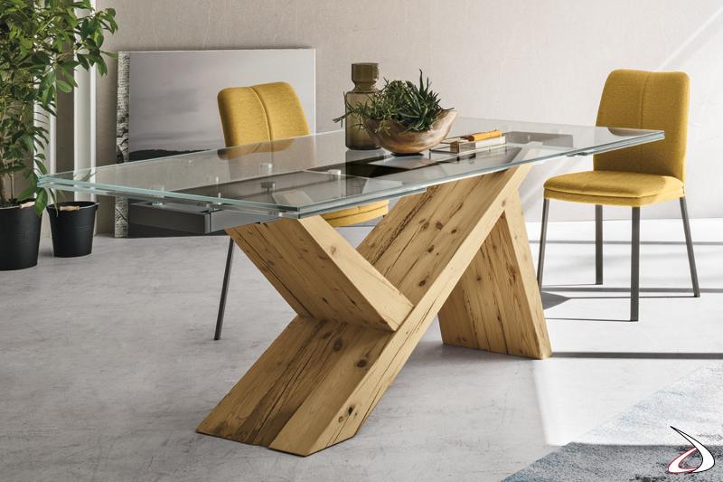 Tavolo moderno con basamento in legno massello