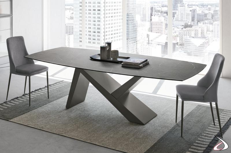 Tavolo di design con piano in ceramica Venezia