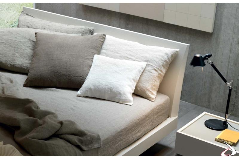 Testata letto in legno frassinato