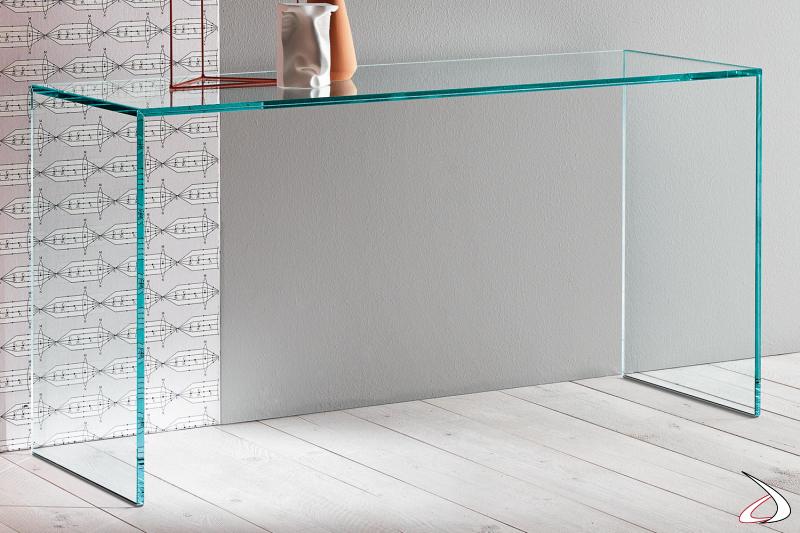 Consolle minimalista ed essenziale in vetro temperato.