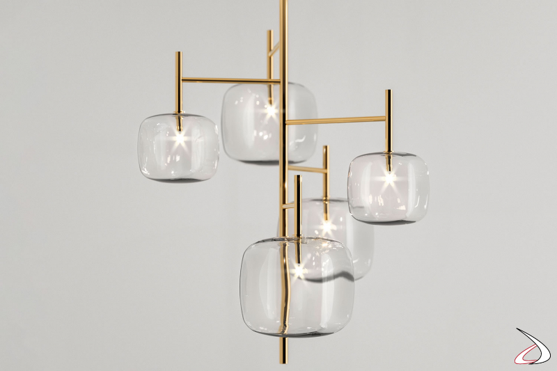 Lampada moderna e di design in versione chandelier con 5 vetri.