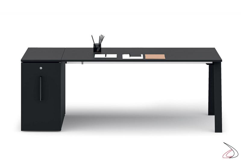 Scrivania ufficio moderna con cassettiera a lato bassa