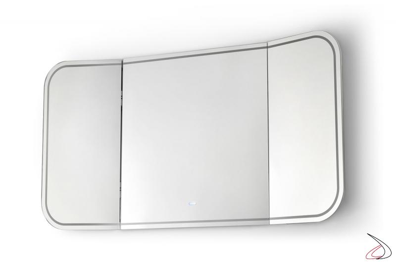 Specchiera grande di design da bagno con angoli arrotondati