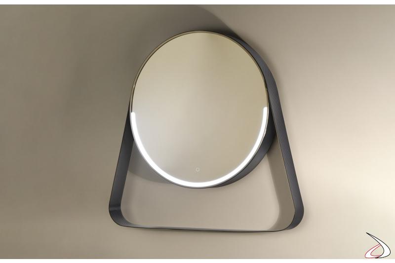 Specchiera rotonda di design in finitura carbonio con mensola e retroilluminazione a led