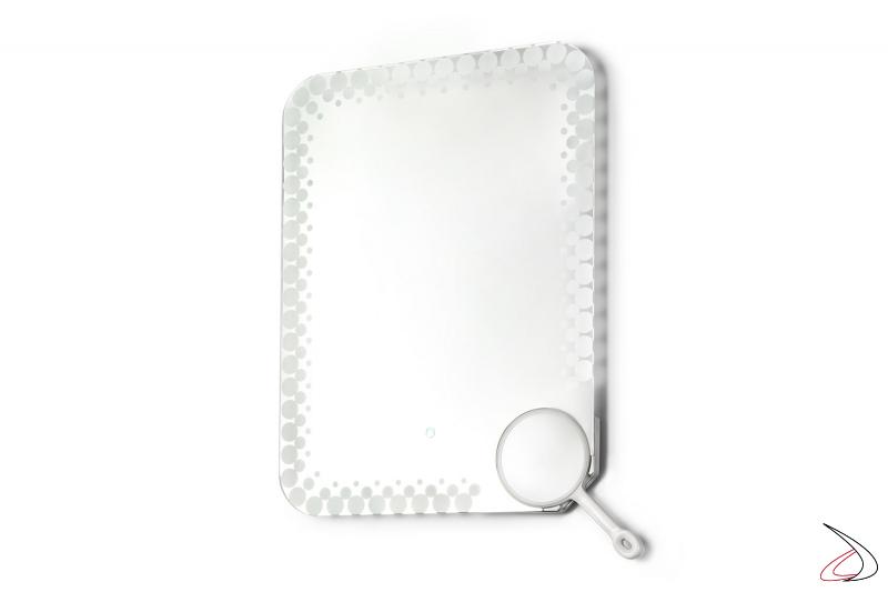 Specchio verticale di design da bagno retroilluminato con specchio ingranditore removibile