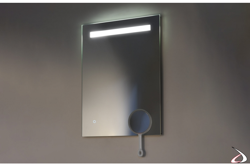Specchio verticale moderno da bagno retroilluminato con specchietto ingranditore removibile