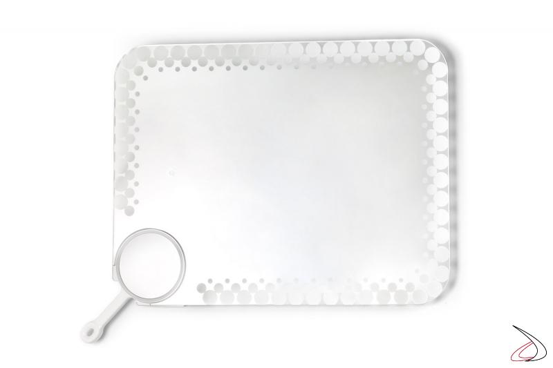 Specchio rettangolare di design con bordo decorato retroilluminato e specchio ingranditore removibile