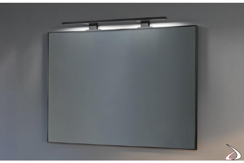 Specchiera da bagno con cornice in alluminio e lampada a led