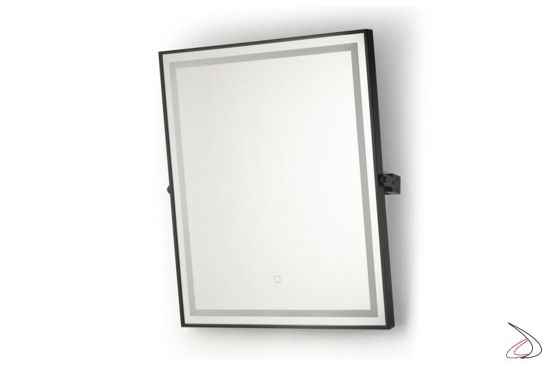 Specchiera bagno retroilluminata inclinabile con funzione antiappannamento
