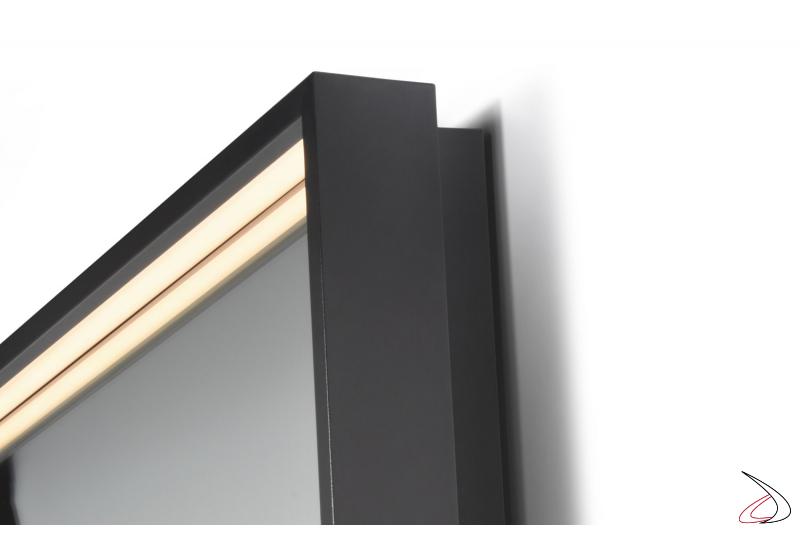 Specchio da bagno modern retroilluminato a led con cornice in alluminio
