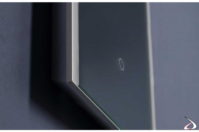 Specchio moderno multimediale con antiappannamento