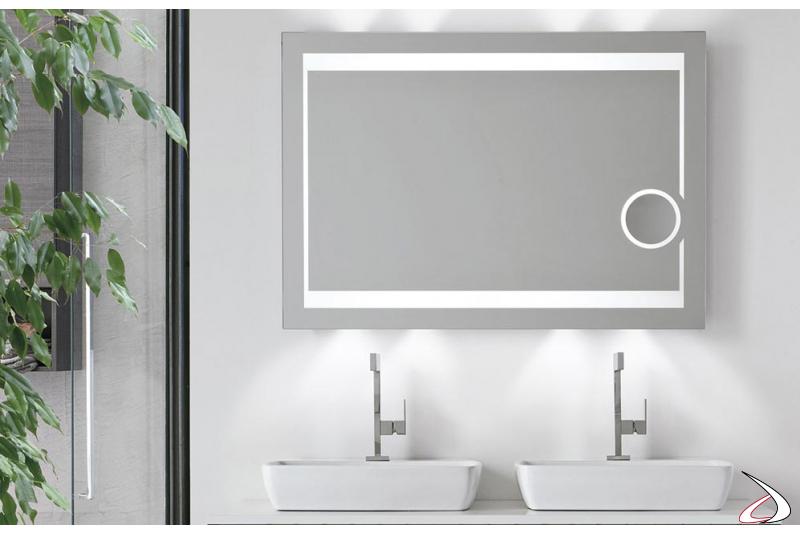 Specchio bagno di design con ingrandimento e antiappannamento