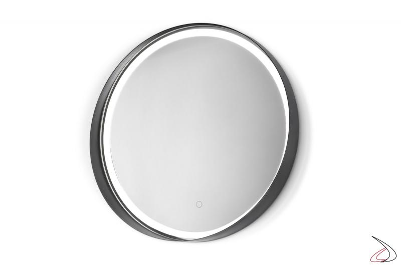 Specchio moderno con cornice in metallo rotondo retroilluminato