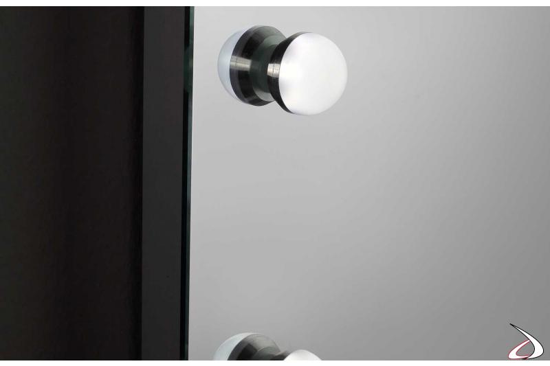 Specchio trucco illuminato da parete con luci led