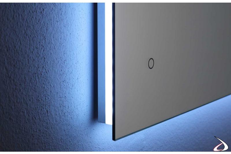 Specchio con luce led, antiappannamento e interruttore touch