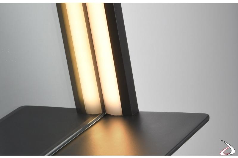 Specchiera moderna con illuminazione a led e mensola in metallo colore nero opaco