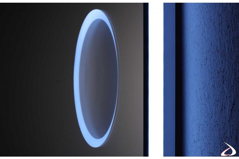 Specchio ingranditore retroilluminato con luce led