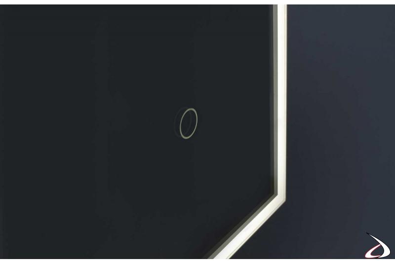 Specchio di design con luce led e antiappannamento