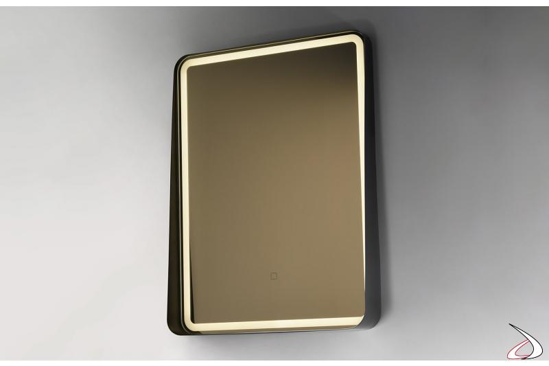 Specchio design con cornice in metallo e retroilluminazione a led