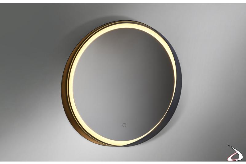 Specchio di design rotondo retroilluminato con cornice in metallo