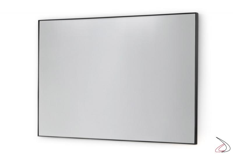 Specchio rettangolare moderno da bagno con cornice in alluminio nero