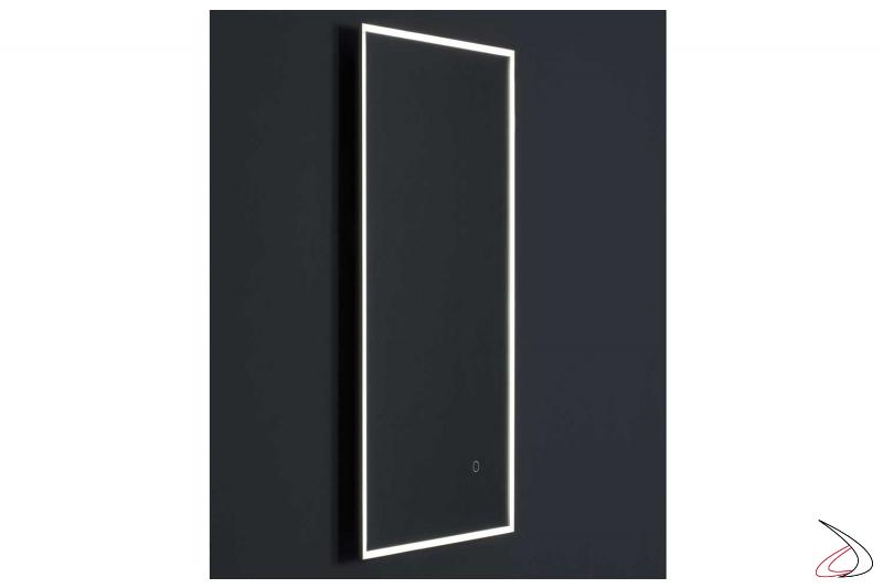 Specchio retroilluminato a Led per parete bagno