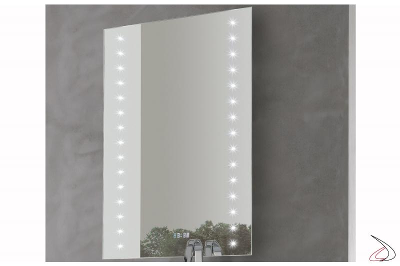 Specchio bagno retroilluminato con orologio digitale