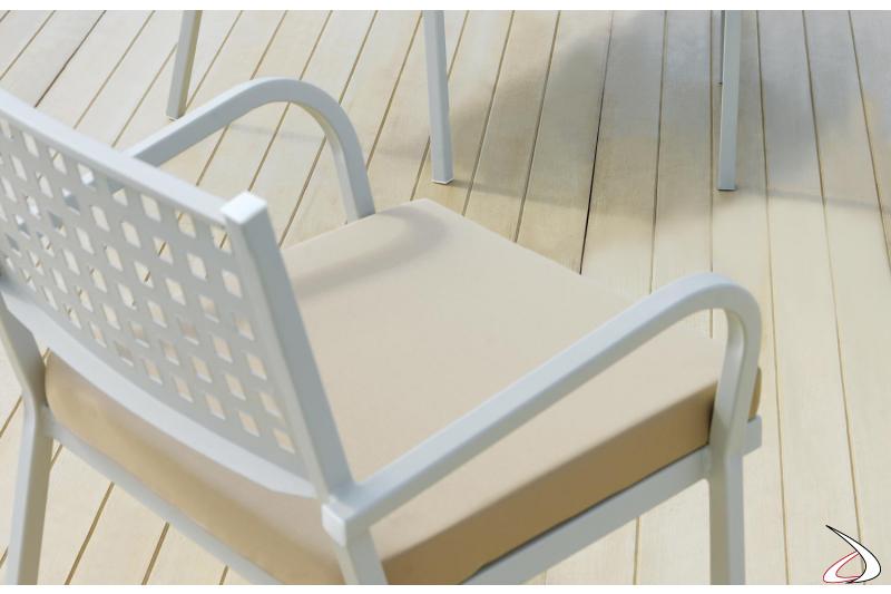 Poltrona di design per bordo piscina con cuscino
