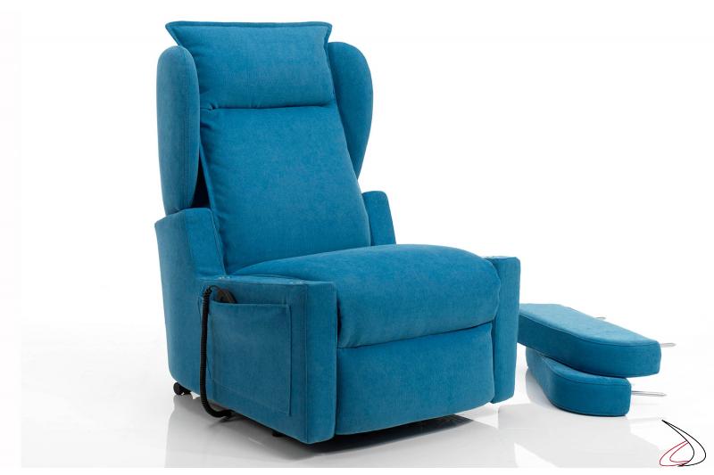 Poltrona relax dotata di comodi braccioli che possono comodamente venir smontati