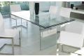 Tavolo design in cristallo trasparente allungabile da soggiorno