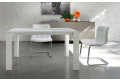 Tavolo bianco moderno da cucina allungabile con gambe perimetrali