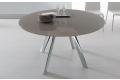 Tavolo moderno con piano in vetro e con basamento a 4 gambe