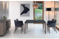 Tavolo moderno quadrato in cristallo antigraffio con gambe in legno massello