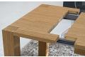 Dettaglio meccanismo di allungamento piano tavolo rovere gessato