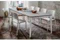Tavolo rettangolare allungabile con struttura bianca e piano hpl grigio
