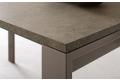Tavolo design da cucina allungabile per 10 persone con gambe in metallo verniciato