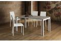 Tavolo di design per 10 persone da soggiorno con gambe in legno bianche con decorazione