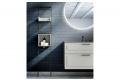 Bagno sospeso classico moderno con scaletta in metallo porta salviette