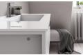 Bagno di design con vasca integrata in geacryl