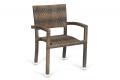 Sedia con schienale e braccioli in vimini sintetico colore caffé