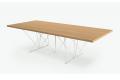Tavolo da pranzo di design in rovere naturale e gambe in tondino metallico