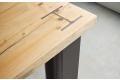 Gamba in acciaio con piano in legno di abete