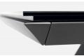 Tavolo design allungabile con struttura in metallo verniciato