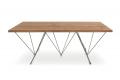 Tavolo soggiorno di design in rovere antico con struttura in tondino matallico